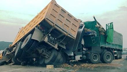 Hiện trường vụ tai nạn giao thông khiến tài xế Nghĩa tử nạn