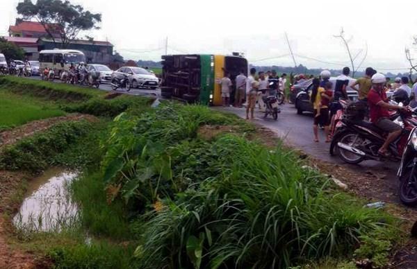 Nguyên nhân vụ tai nạn giao thông nghiêm trọng đang được tiến hành điều tra, làm rõ.