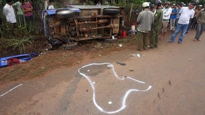 Hiện trường vụ tai nạn giao thông nghiêm trọng khiến 5 người thương vong