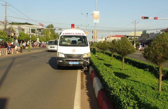 Hiện trường vụ xe cấp cứu gây tai nạn giao thông chết người ở Bình Phước