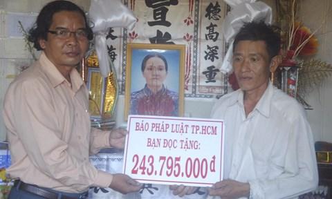 Nhà báo Nguyễn Văn Vẹn (trái) đã qua đời vì gặp tai nạn giao thông trên đường chở con đi học