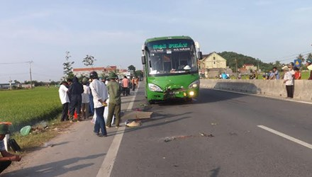 Hiện trường vụ tai nạn giao thông thương tâm khiến người bán rau chết thảm