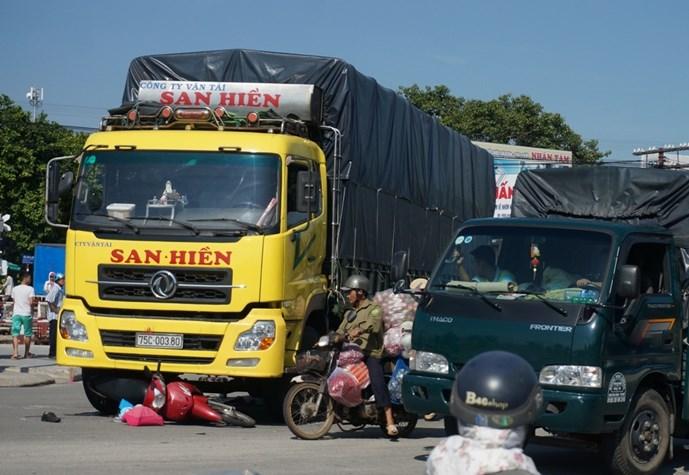 Hiện trường vụ tai nạn giao thông khiến bé gái 10 tuổi tử vong tại chỗ