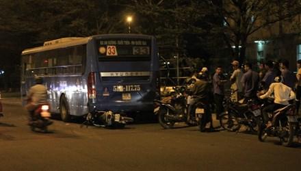 Vụ tai nạn giao thông thứ nhất trước nhà khách Đại học quốc gia