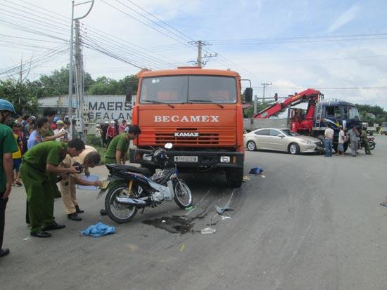 Hai vụ tai nạn giao thông xảy ra gần sát nhau gây ách tắc giao thông