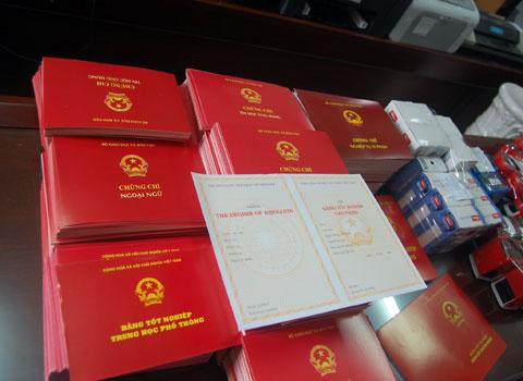 Có tới 3 cán bộ xã thuộc huyện Phú Vang sử dụng bằng tốt nghiệp THPT không hợp lệ