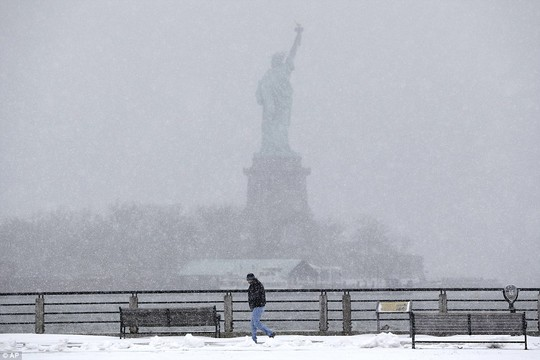 Tuyết được dự báo có thể rơi dày tới hơn 90cm tại thành phố New York.