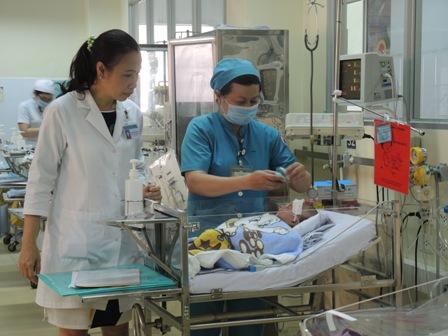 Sự bình phục nhanh chóng của bệnh nhi có công sức lớn của các y bác sĩ