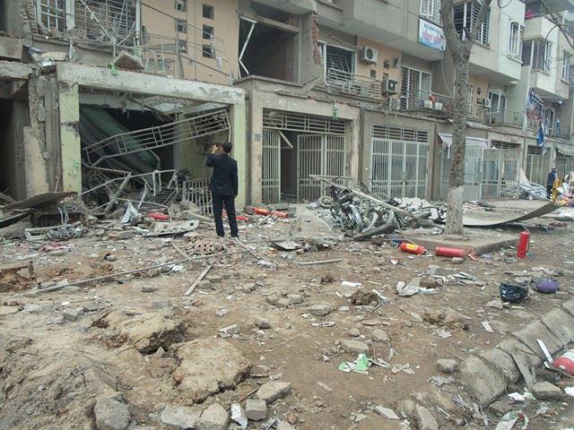Cảnh hoang tàn sau vụ nổ