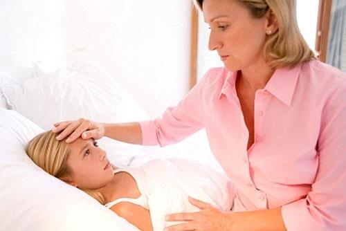 Sốt cao là biểu hiện đầu tiên khi bị sốt Virus
