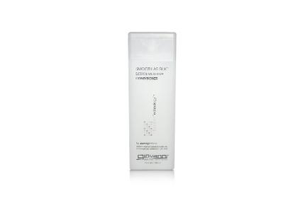 Giovanni Smooth As Silk Deep Moisture Conditioner cũng là một dòng sản phẩm chăm sóc tóc mềm mượt