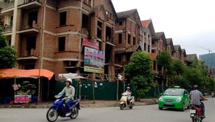 Hàng chục biệt thự bỏ hoang tại Trung Văn (Hà Nội)