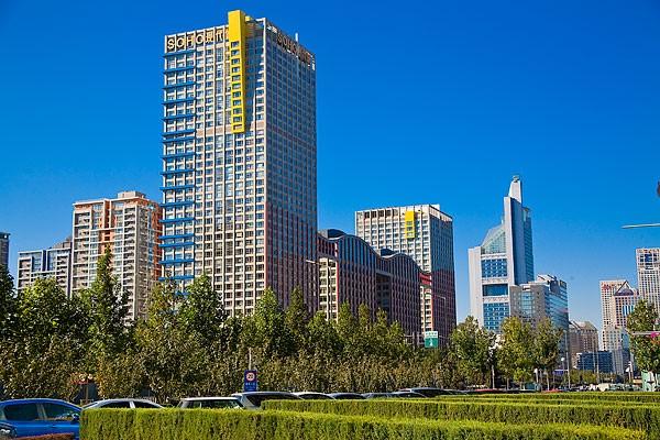 Căn hộ cao cấp do Phạm Băng Băng sở hữu tại đây được xem là hào nhoáng bậc nhất với 180m² gồm 2 phòng khách, 3 phòng ngủ