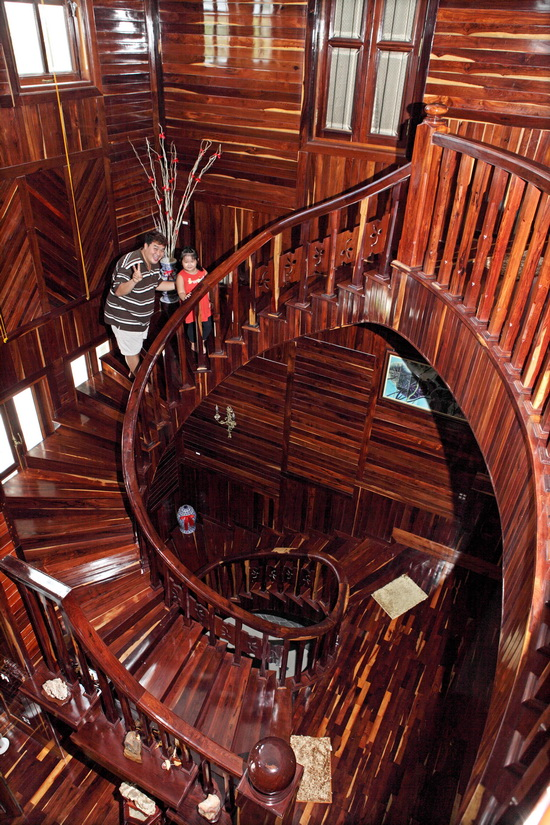 Biệt thự gỗ của Hoàng Mập