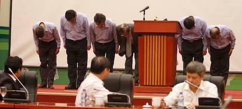 Ban lãnh đạo Formosa Hà Tĩnh cúi đầu xin lỗi