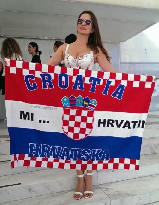 Và fan nữ đặc biệt sexy của Croatia