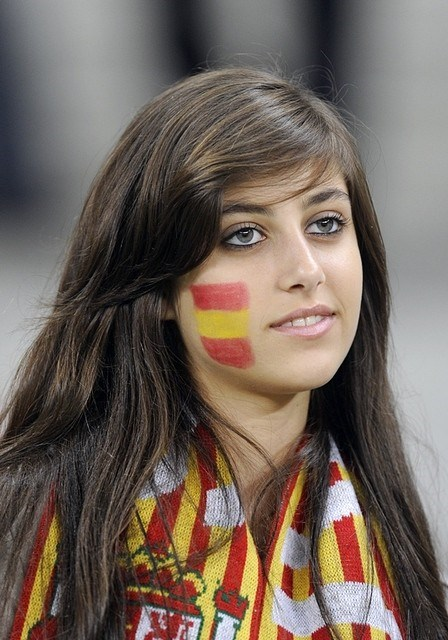 Fan nữ xinh đẹp của Tây Ban Nha