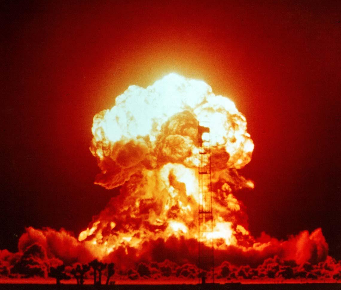 Vụ thử bom nguyên tử tại khu vực thử nghiệm Nevada, Mỹ, vào năm 1953
