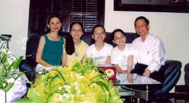 Hình ảnh hiếm hoi về gia đình tỷ phú Vũ Văn Tiền