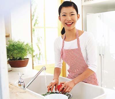 bồn rửa bát cũng rất nhiều vi khuẩn