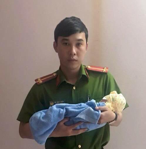 Quảng Ninh: Tìm thấy bé gái 1 tuần tuổi chưa dứt dây rốn bị bỏ rơi bên đập nước