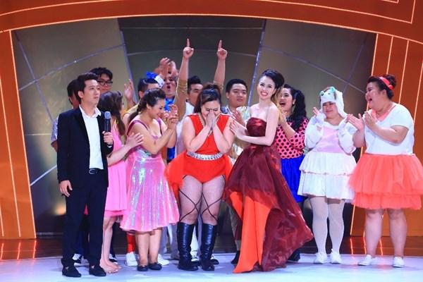 Top 12 thí sinh cuộc thi Bước nhảy ngàn cân vui mừng vì vượt qua được thử thách đầu tiên