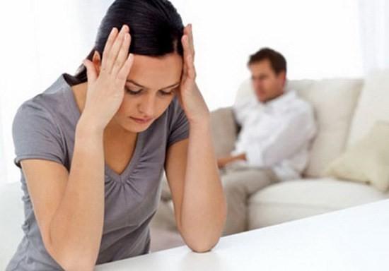 Xuất tinh ngoài là một trong các biện pháp tránh thai ảnh hưởng tới khoái cảm của 2 vợ chồng
