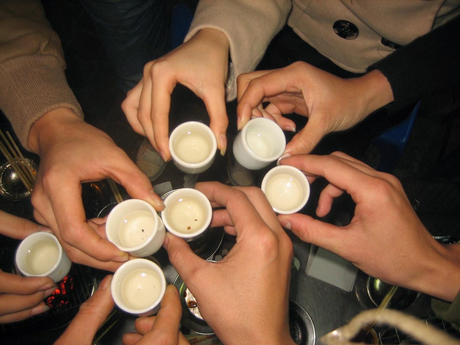 Sau các buổi tụ tập uống nước gừng là một trong các cách giải rượu