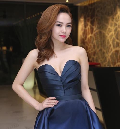 Các kiểu tóc xoăn đẹp luôn được mỹ nhân Việt ưa chuộng