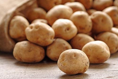 Cách chọn khoai tây tránh 'rước họa vào thân' dịp Tết