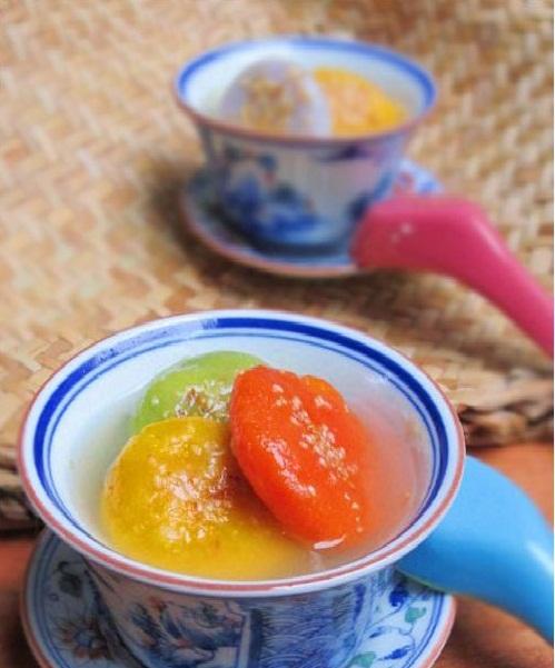 Bánh chay là món ăn truyền thống trong ngày Tết Hàn thực