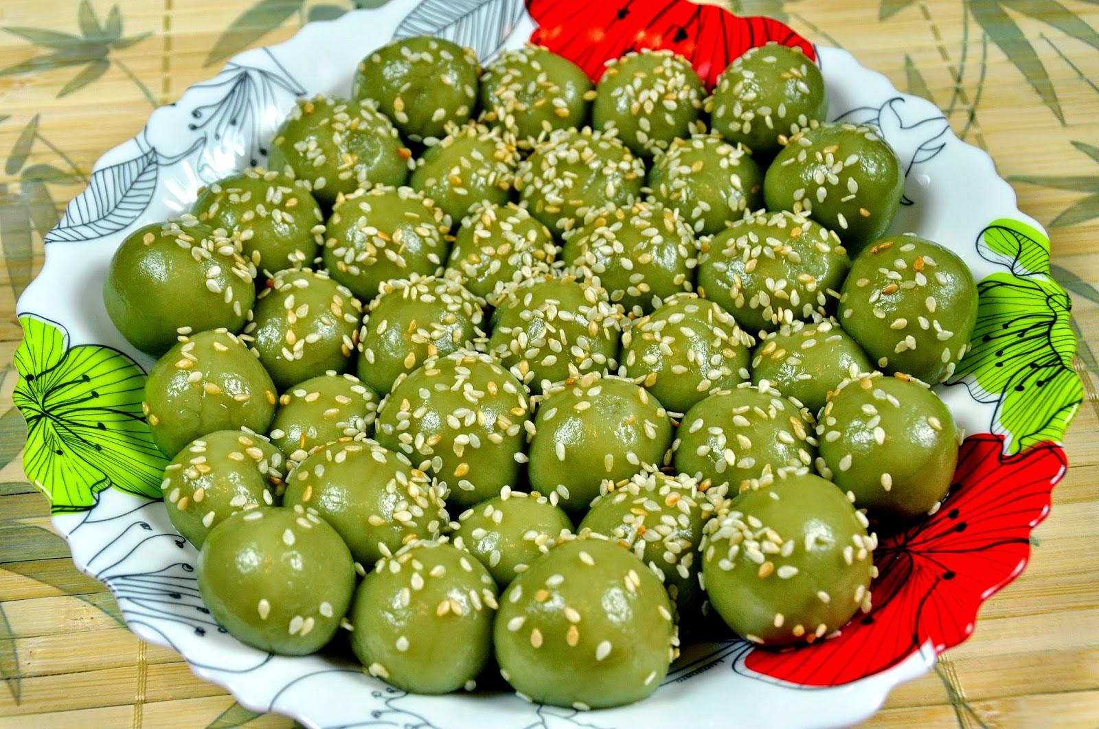 Cách làm bánh trôi trà xanh cho ngày Tết Hàn thực thơm ngon, mát dịu khá đơn giản