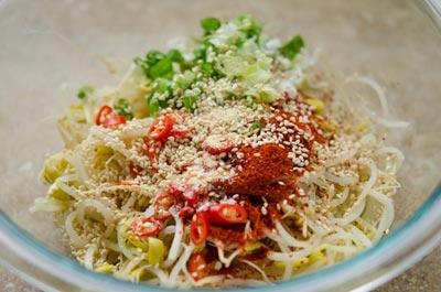 Kim chi giá đỗ là món ăn rất ngon mà cách làm lại đơn giản