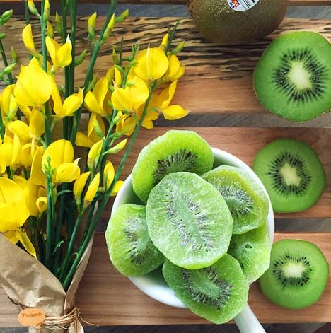 Cách làm mứt kiwi không khó mà lại cho món mứt thơm ngon, lạ vị