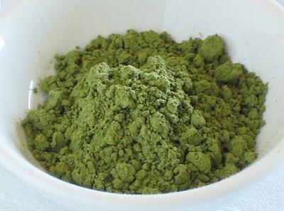 Trà xanh có vị hơi đắng, do đó nên cân nhắc lượng trà cho vào thạch