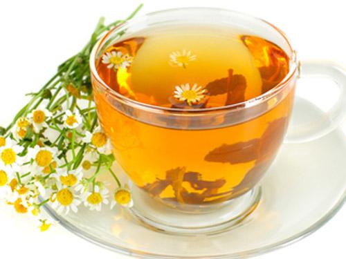 Cách pha trà hoa cúc mật ong đơn giản xua tan mệt mỏi
