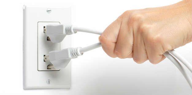 Ngắt tất cả các thiết bị điện không dùng giúp tiết kiệm điện hiệu quả
