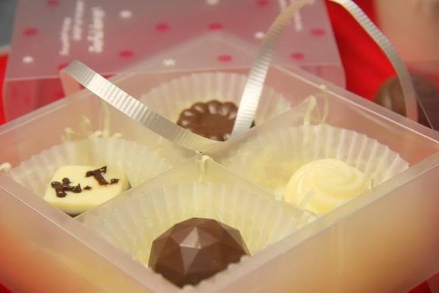 Cách làm socola Valentine trắng ngọt ngào và ý nghĩa không hề khó