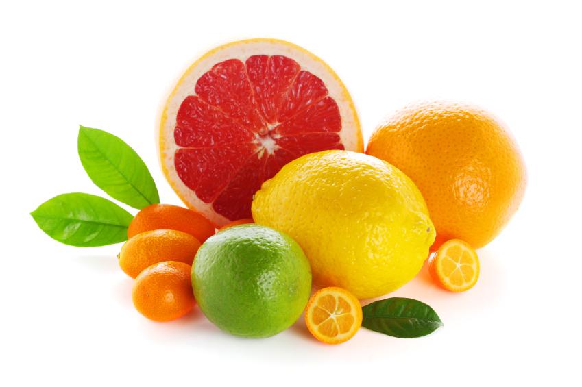 Ăn nhiều hoa quả bổ sung Vitamin C là cách cơ bản dưỡng trắng da cho nam