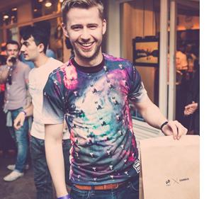 Các sản phẩm thời trang do khách hàng thiết kế được đông đảo người tiêu dùng ủng hộ