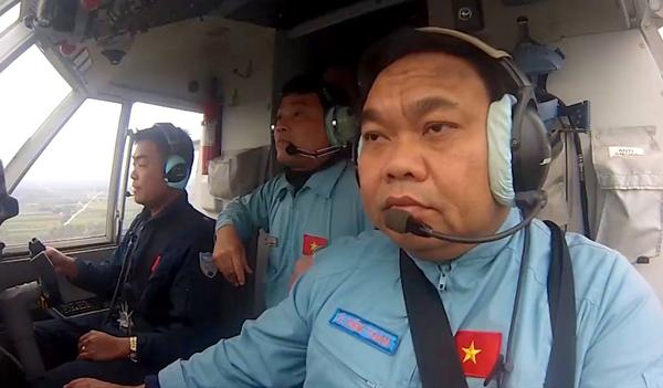 Đại tá Lê Kiêm Toàn, Lữ đoàn trưởng Lữ đoàn không quân 918, là cơ trưởng máy bay CASA. Ảnh VnExpress