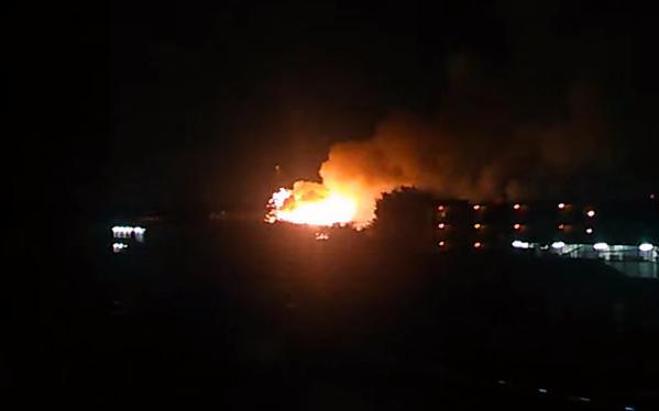 Lửa, khói bốc lên sau vụ nổ lớn tại khu căn cứ quân sự Mỹ ở Nhật Bản