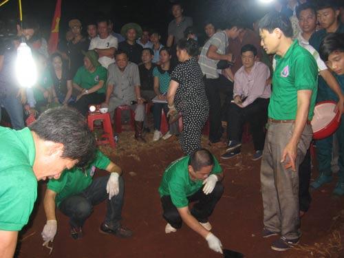 Nhóm 'cậu' Thủy khai nhận đã tìm kiếm, bốc cất khoảng 97 hài cốt ở 3 tỉnh
