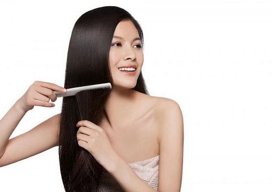 Sử dụng quá nhiều dầu xả để chăm sóc tóc là thói quen sai lầm ảnh hưởng đến mái tóc
