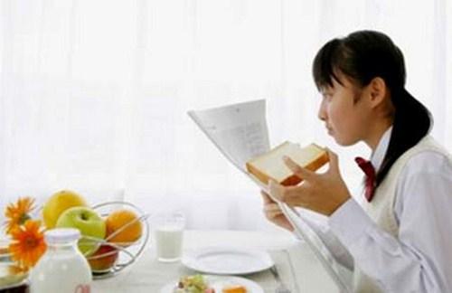 chú ý bổ sung các chất dinh dưỡng trong bữa ăn hàng ngày