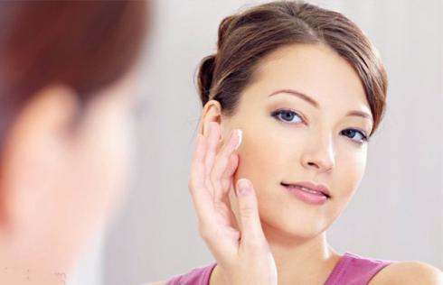 Cách chăm sóc da mặt mùa đông tuyệt vời nhất nằm ở chế độ ăn uống và nghỉ ngơi hợp lý