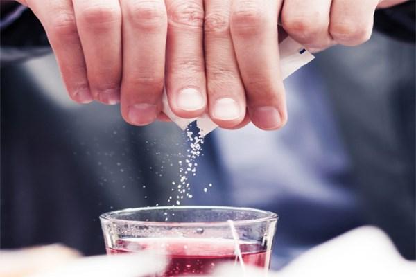 Hóa chất phụ gia gây hại cho sức khỏe bao gồm chất tạo ngọt nhân tạo