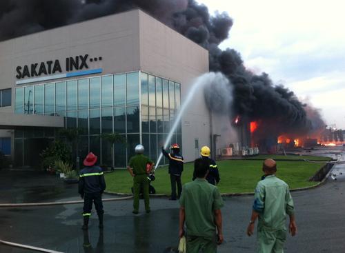 Cháy khu công nghiệp Bình Dương