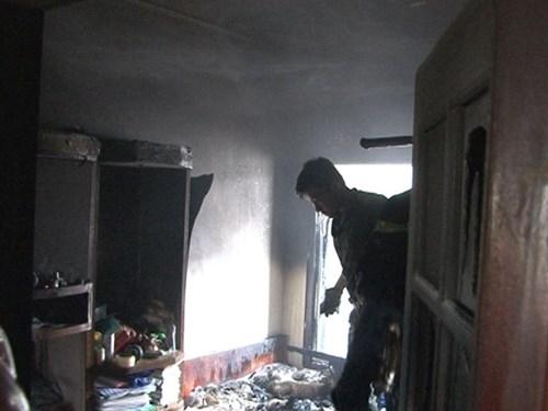 Đám cháy bùng phát nhanh gần như thiêu rụi toàn bộ tài sản trong nhà