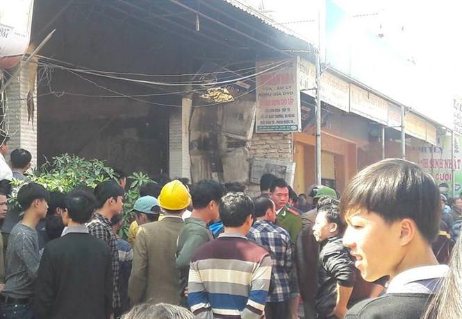 Hiện trường vụ cháy nhà ở huyện Quỳnh Lưu, Nghệ An ngày 10/2